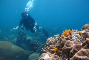 Challenge-yourself-to-be-a-diving-instructor-in-2017-1